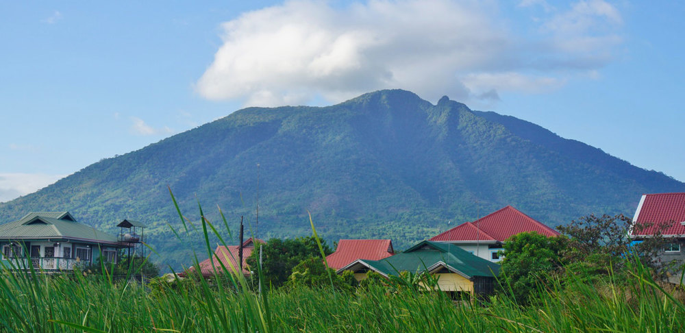 Mount Arayat rises 1,000 meters north of barangay Sta. Ana, Mexico, Pampanga (Photo by Q Ramos)