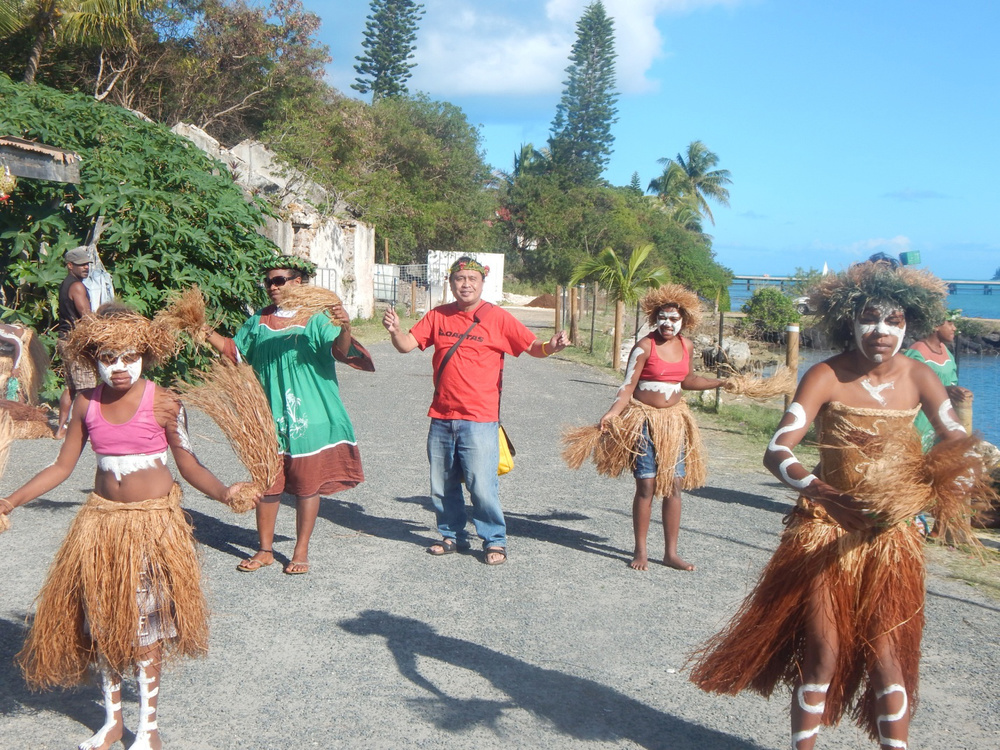 I caught the dance fever upon landing on the Isle of Pines in New Caledonia. (Photo courtesy of Rey E. de la Cruz)