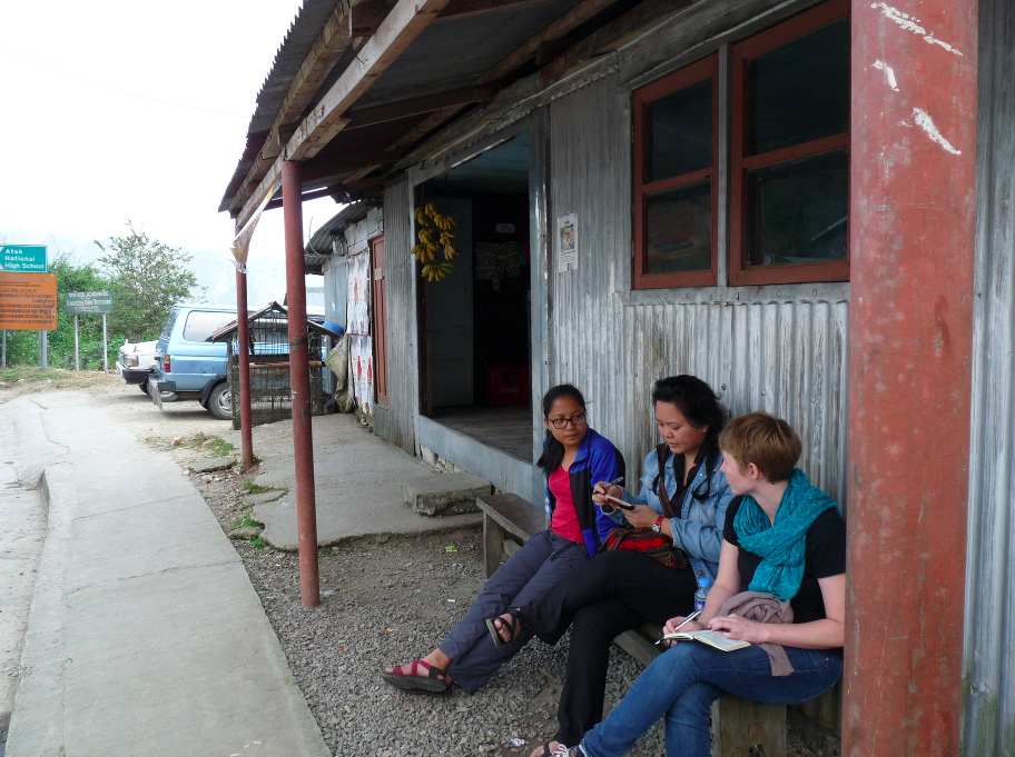 Waiting for the next bus to arrive, somewhere between Benguet and Mountain Province. (Photo courtesy of Rexy Josh Dorado)