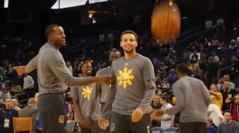 The Golden State Warriors wear the Philippine tri-star sun logo on their warm-up shirts during the shoot-around on Filipino Heritage Night last November 14, 2015 (Source: BalitangAmerica.tv)