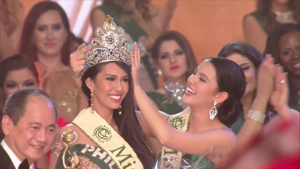 Miss Philippines Angelia Ong was crowned Miss Earth 2015 (Source: @MissEarth)