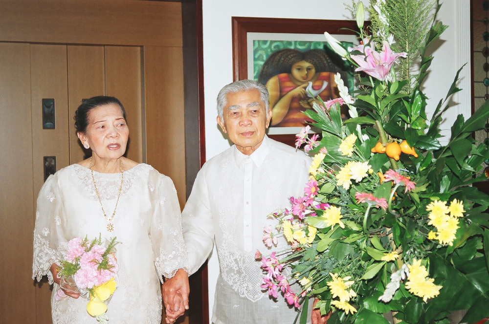 Diego and Leonora celebrating their 60th wedding anniversary in 2005