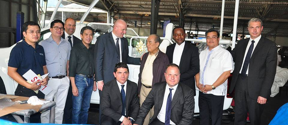 Inspection at Isuzu Gencars. In photo members of the Vatican Security together with Almazora Motors and Isuzu Gencars. (Photo courtesy of Nitz Almazora)
