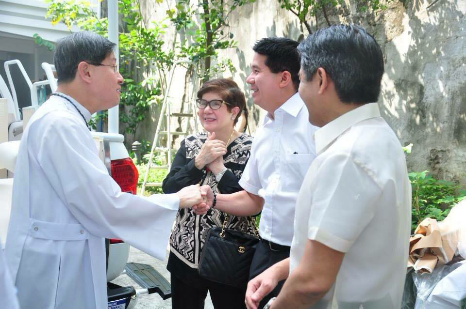Cardinal Tagle at the blessing of Pope Mobile at the Archbishop's Palace (Photo courtesy of Nitz Almazora)