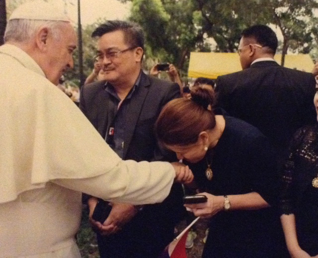 Meeting the Pope (Photo courtesy of Nitz Almazora)