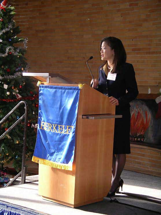 Dr. Elaine Serina addresses the graduating class of UC Berkeley College of Engineering in 2004. (Photo courtesy of Dr. Elaine Serina)