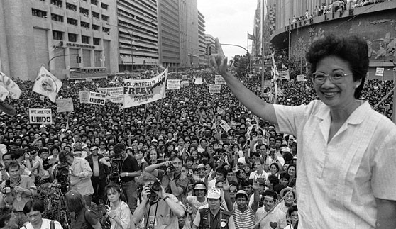 Corazon Aquino at rally in Makati (Photo by Val Rodriguez/AP)