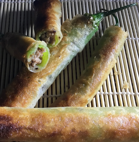 Dynamite Lumpia (Photo by Rene Astudillo)