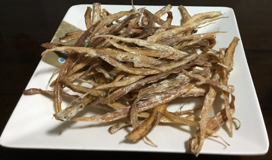 Crispy Fried Dried Anchovies (Photo by Rene Astudillo)