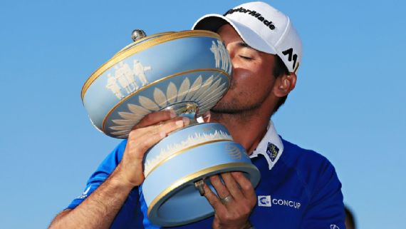 Jason Day kissing the Dell Match Play trophy (Source: Tom Pennington/Getty Images)
