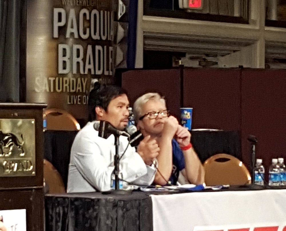 Pacquiao with longtime coach Freddie Roach (Photo by I. Wilfredo Ver)