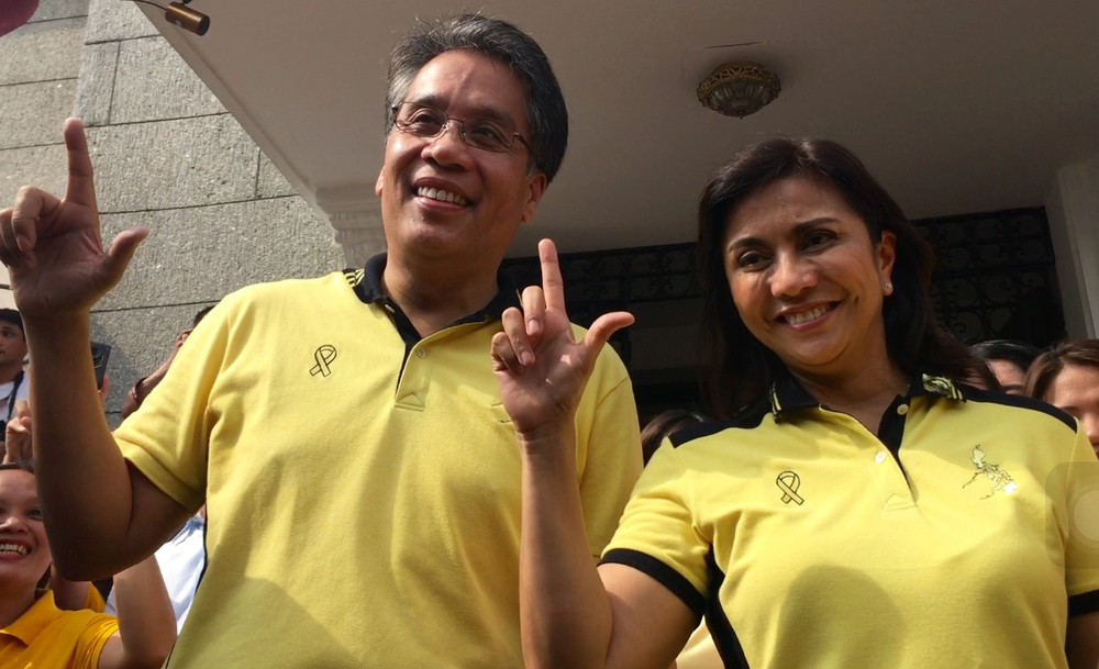 Secretary Mar Roxas and running mate Congresswoman Leni Robredo (Camarines Sur, 3rd District) (Photo by Julliane Love De Jesus/Inquirer.net)