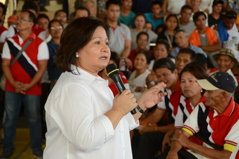 Governor Lilia Pineda (Source: pampanga.gov.ph)