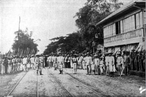Soldiers at the Aguinaldo mansion (Photo courtesy of Arnold Dumindin http://www.filipinoamericanwar.com)