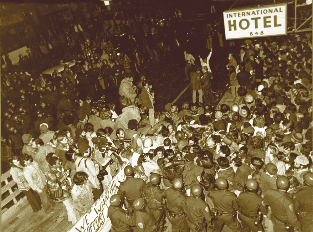 Thousands of supporters surround the I-Hotel to stop the eviction. (Photo by Chris Huie)