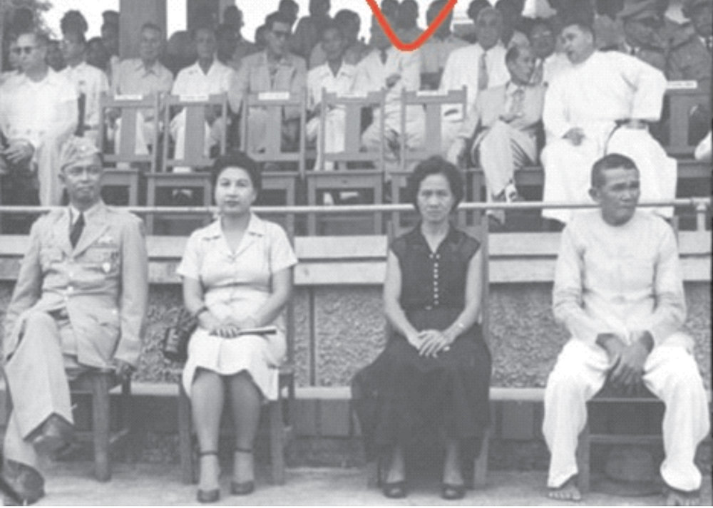Major Silva (sitting on the left in uniform) on the occasion of his awarding by the Philippine Legion of Honor for his role in the Battle of Ising. MWF speaker Marie Silva Vallejo is in the shadows inside the red curve. (Source: the MWF Newsletter)