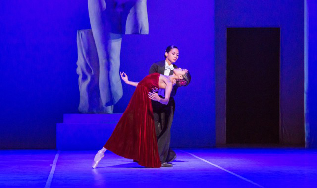 Christine Rocas as Diana (in black) and Jeraldine Mendoza as Sylvia (in red) in John Neumeier's Sylvia. (Photo by Cheryl Mann)