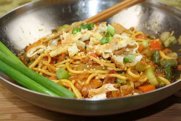 Asian Fried Noodles (Photo by Elizabeth Ann Quirino)