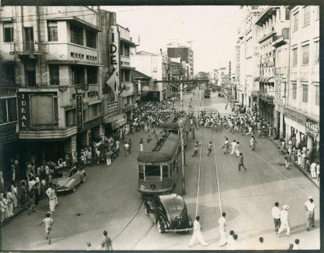 Practically devoid of private cars, Meralco Tranvias were the only transportation available during the occupation. – Rizal Avenue, 1943