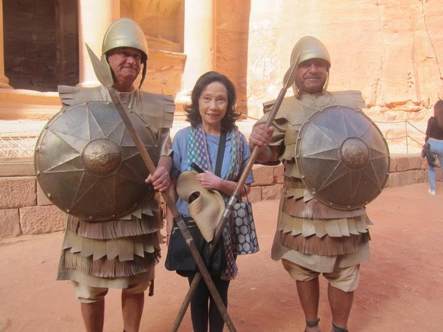 Annabelle Yuchengco poses with the Petra guards. (Photo by Mona Lisa Yuchengco)