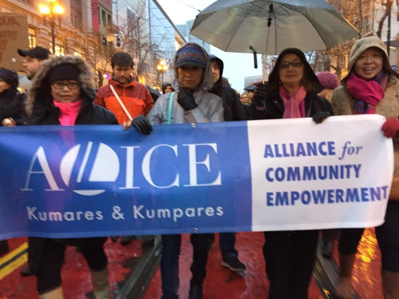 Drenched ALLICE Kumares & Kumpares stand up against abuse of power. (Photo by Voltaire Yap)