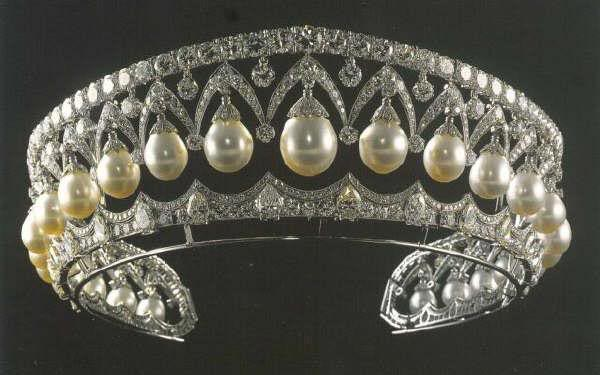 The Tiara of the Armory of Empress Marie Federovna, Nicolas II's mother.   Like Imelda, this was one of the few pieces that the Dowager Empress escaped with when she left Russia in the protection of a British warship, in 1918.  Like many of the deposed royals, as their circumstances diminished, Empress Marie was forced to sell her jewels.  For years, the Duchess of Marlborough of the UK, owned it until sold at auction in 1978.  Shortly thereafter, it quietly ended up in Imelda Marcos' possession.