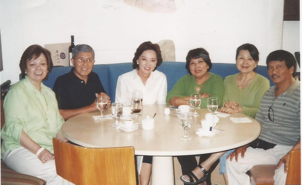 Post-martial law, Mrs. Psinakis reunited with Mitos Santisteban, Goya Navarrete and other friends at Mati, the Greek restaurant owned by her daughter Geni in Rockwell, Makati City. (Photo courtesy of Danny Navarrete)