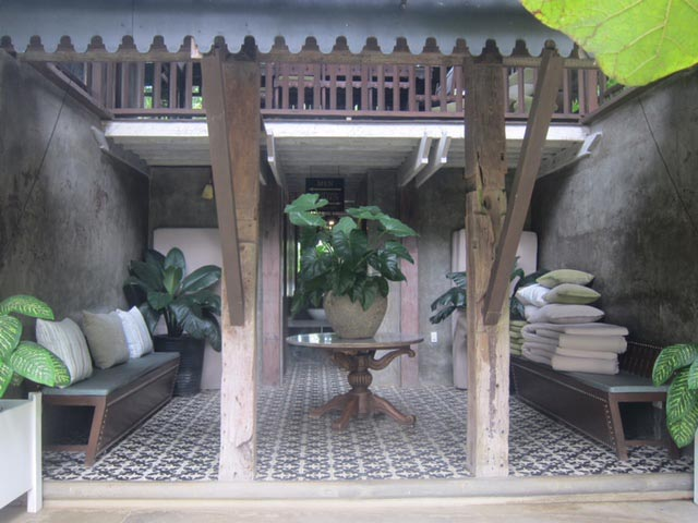 The main building of Lanai Lounge where the restrooms are located.