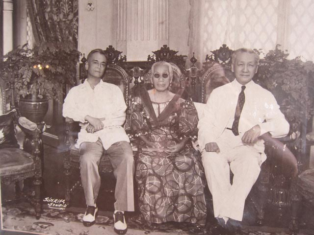 "The grand matriarch, Enrica ""Tana Dicang"" Lizares with President Manuel L. Quezon and Vice President Sergio Osmena, Sr."