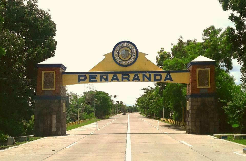 Peñaranda welcome arch (Photo by Jay Cabatuando)