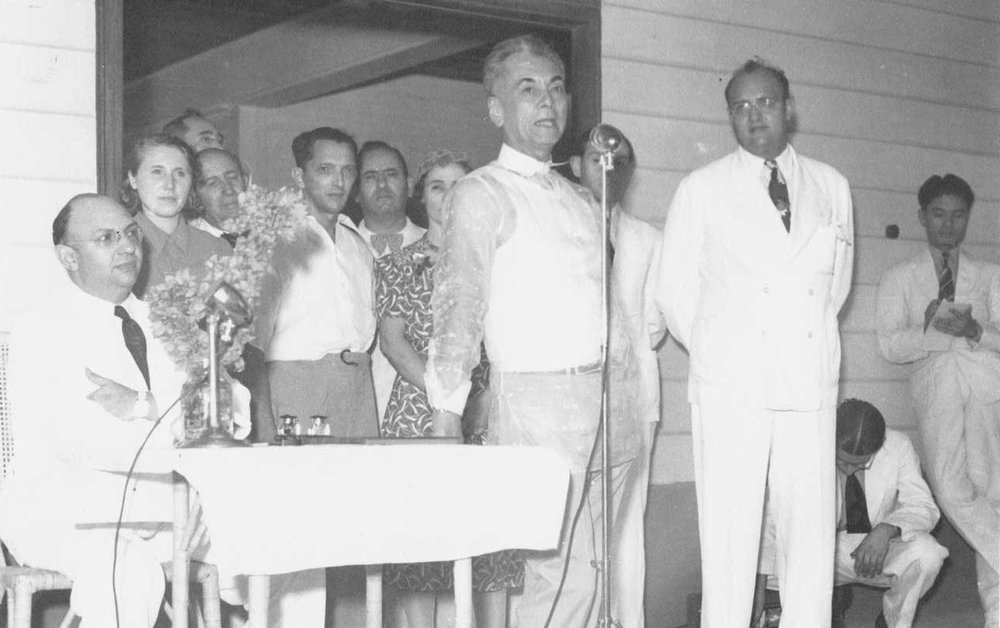 President Manuel L. Quezon welcoming Jewish refugees at his property, Marikina Hall (Source: GMA Network)