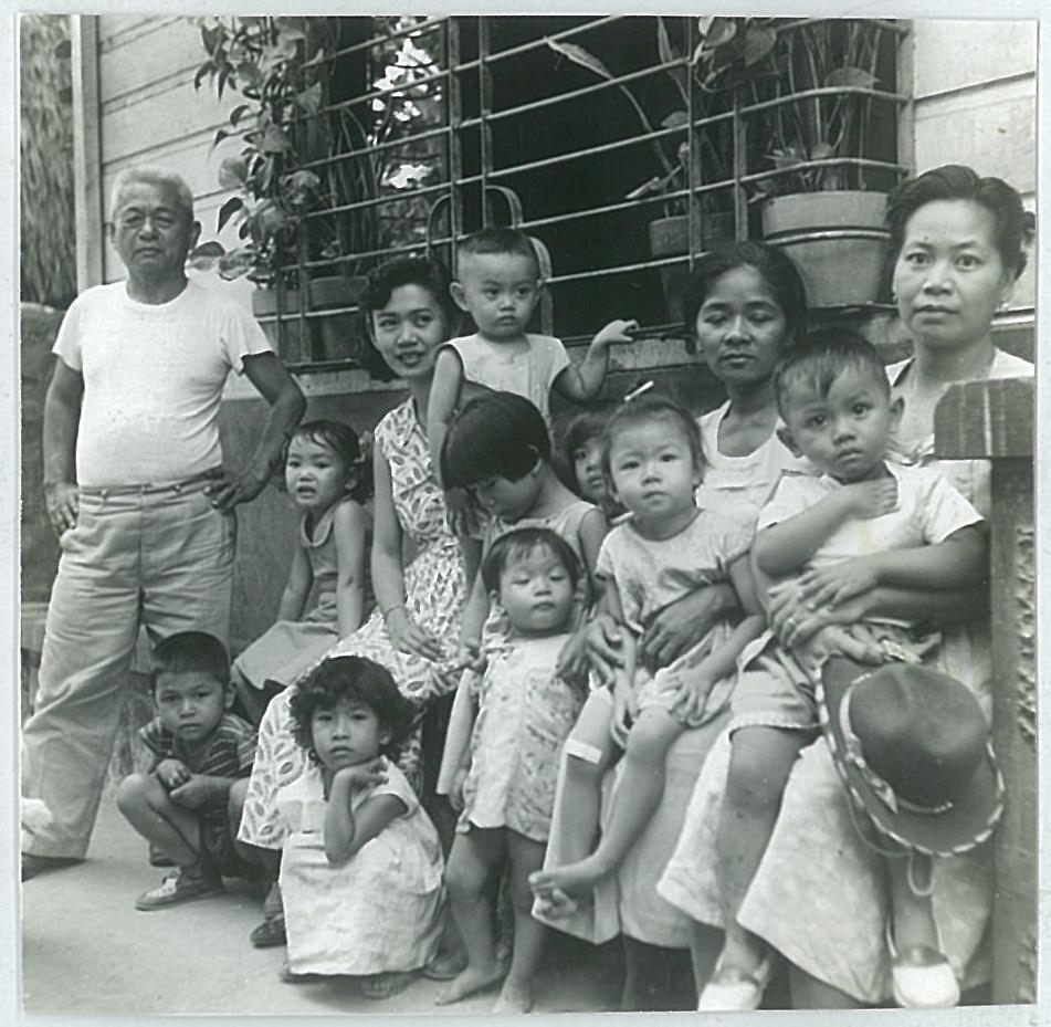 Our neighbors at M. Hizon with my aunt Lourdes and her two children Edita and Toto and me and my yaya Jullia. (Photo courtesy of Maripi Leynes)