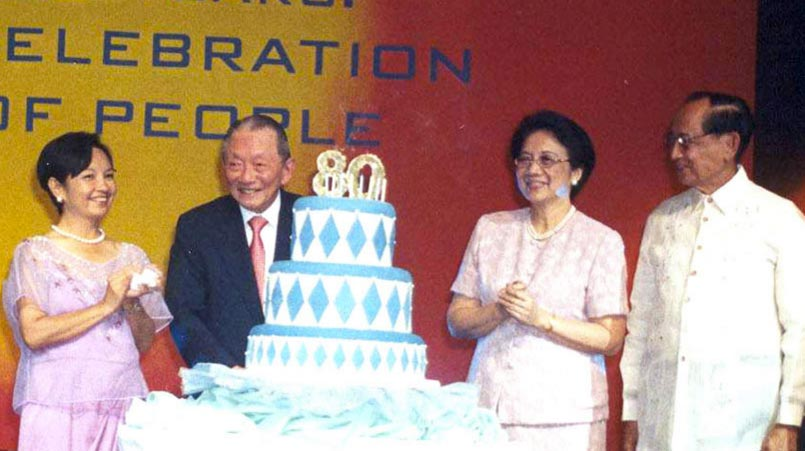 Mr. SyCip with former Philippine Presidents Gloria Macapagal-Arroyo, Corazon C. Aquino and Fidel V. Ramos (Source: washingtonsycip.org)