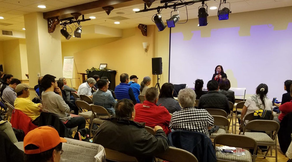 Raissa Robles speaks at the Bayanihan Center in San Francisco (Photo by Raymond Virata)