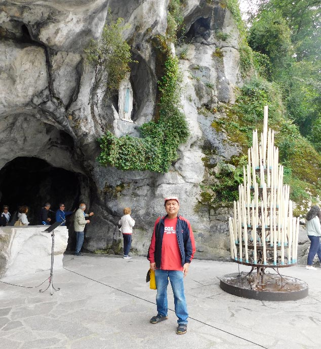 The Virgin Mary appeared to Bernadette Soubirous at the Grotto of Massabielle in 1858.(Photo by Rey E. de la Cruz. Photo editing by Ivan Kevin Castro)