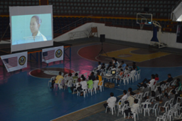 Photo: Screening  Right Footed  at the Tacloban Astrodome (Photo courtesy of Alex Ago)