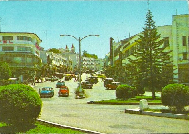 Session Road in Baguio City in 1970s (Source: thats70s.tumblr.com)