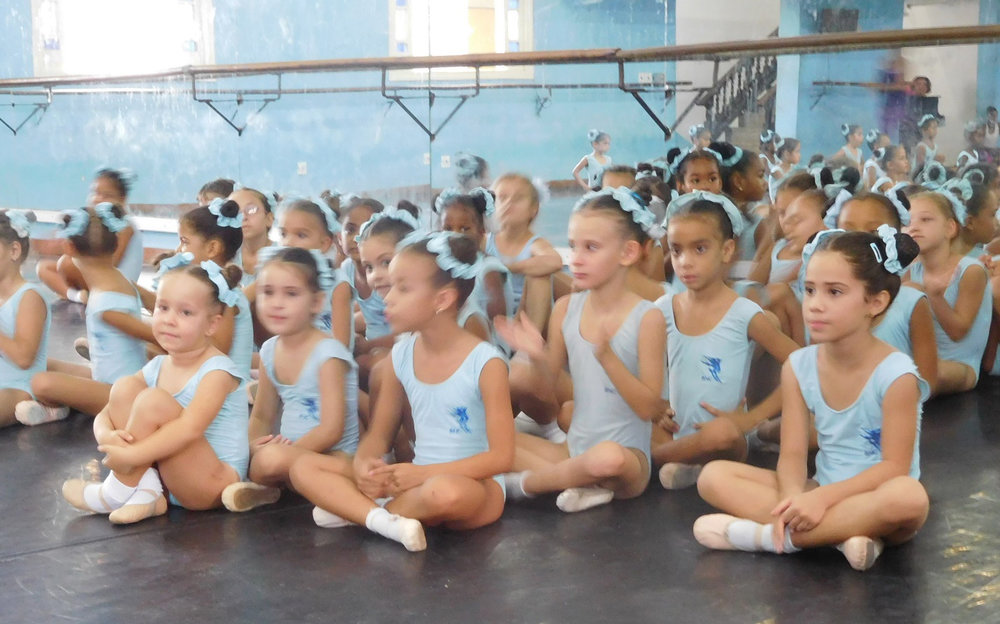 Little girls at a ballet school (Photo by Gia Mendoza)
