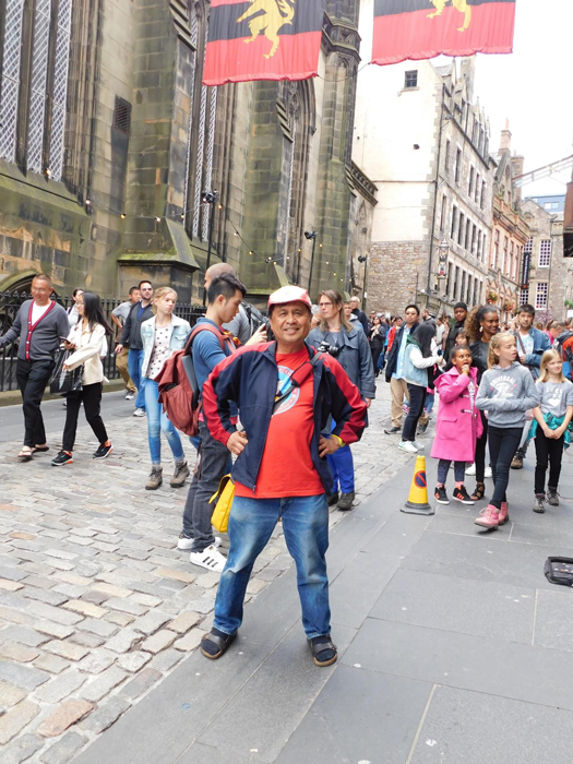 The center of the Edinburgh International Festival is in Edinburgh's Old Town. (Photo courtesy of Rey E. de la Cruz. Photo editing by Ivan Kevin Castro)