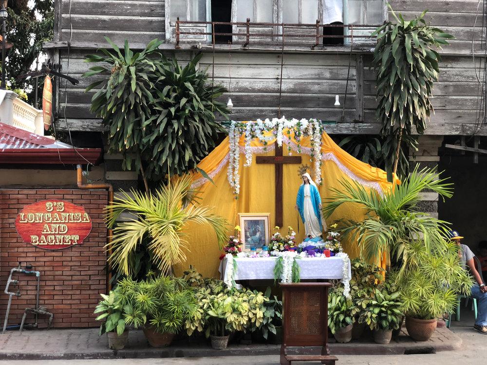 A street prayer station on Palm Sunday.(Photo by Criselda Yabes)