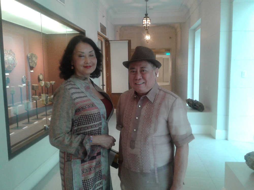 Ms. Gemma Cruz Araneta with NCCA Chairman Virgilio Almario (Photo by Virgilio Reyes, Jr.)