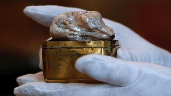 The Sleeping Lion , the largest freshwater pearl known, with its original 1700s brass box.