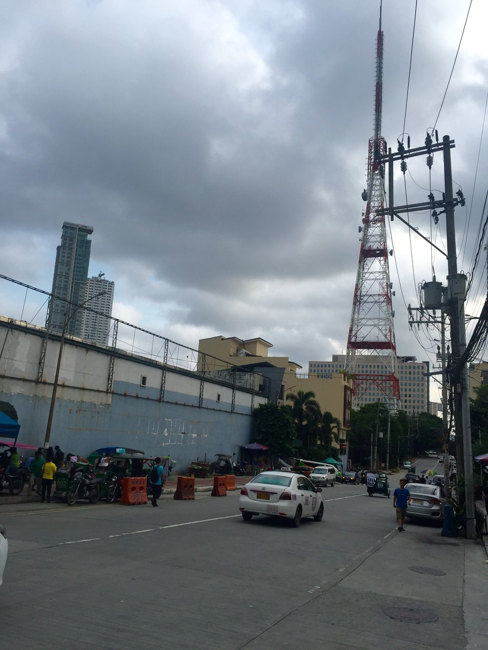 Mother Ignacia Ave. (formerly Cebu Ave.) from EDSA, with ABS-CBN tower in background