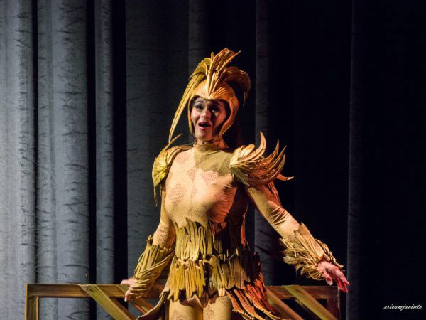 Soloist Abigail Oliviero plays the enchanted title bird (Courtesy of Ballet Manila).