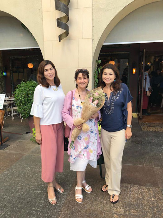 Marita Zobel (center) and daughters Ika and Maricel. (Photo courtesy of Marita Zobel)