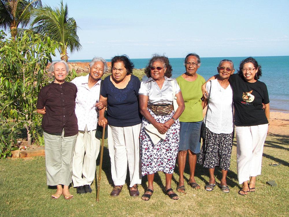 Broome Manilamen descendants with Dee Hunt and Deborah Wall. L-R: Dee Hunt, Juanita Gower, Evelyn Masuda (dec), Theresa Barker (dec), Ellen Puertollano, Mary Manolis (dec) and Deborah Wall. Broome, 2008.