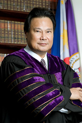 Former Chief Justice Renato Corona (Source: Wikimedia Commons)