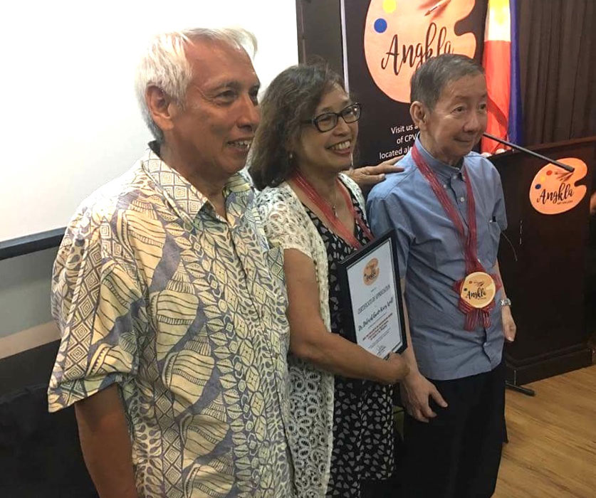 From left to right: Gene Lara, Dr. Deborah Guido Ruiz Wall and Dr. Luciano P.R. Santiago, descendants of the owners of Hacienda de Angono, Angkla Art Gallery, at Wall's presentation 'Biga: Mas malalim pa ang kasaysayan ng Angono: A Historical Review Beyond Angono, Art Capital of the Philippines', April 2018.'