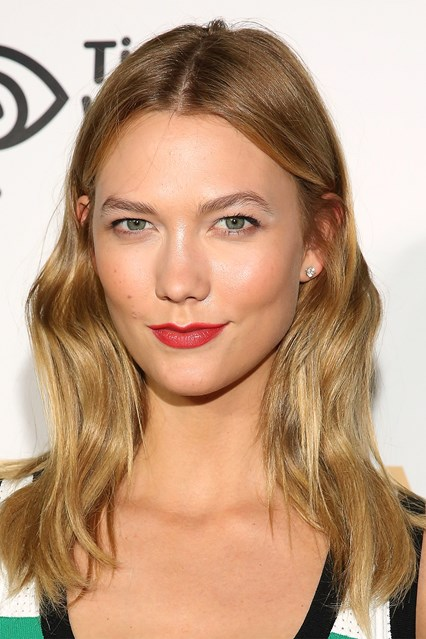 karlie-kloss_glamour_14june_GettyImages-b_426x639.jpg