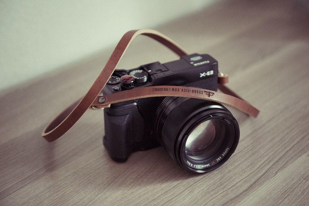 [o] ivo scholz. ivo's X-E2 with our custom brown strap